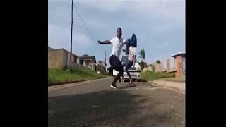 Distruction boyz-Omunye ft Benny Maverick and Dladla Mshunqisi (dance s)