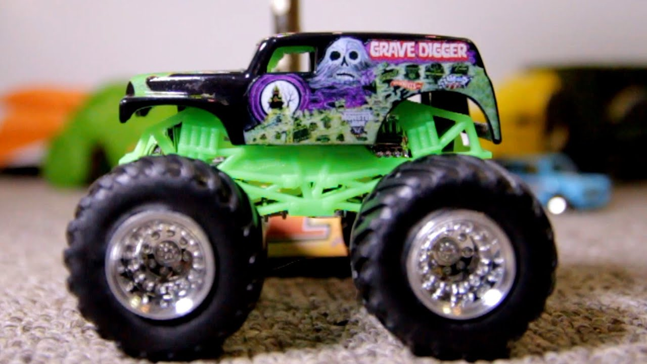 Hot Wheels Monster Trucks Dragon Blast Crash Up Toy Cars Youtube