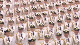 Женщины на параде в Москве