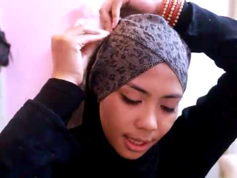 Cara memakai Jilbab Pashmina Bermotif Yang Mudah https://www.youtube ...