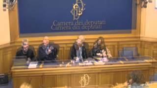 Sgarbi, la Moretti se la tira troppo: come Leonardo, un lusso inutile