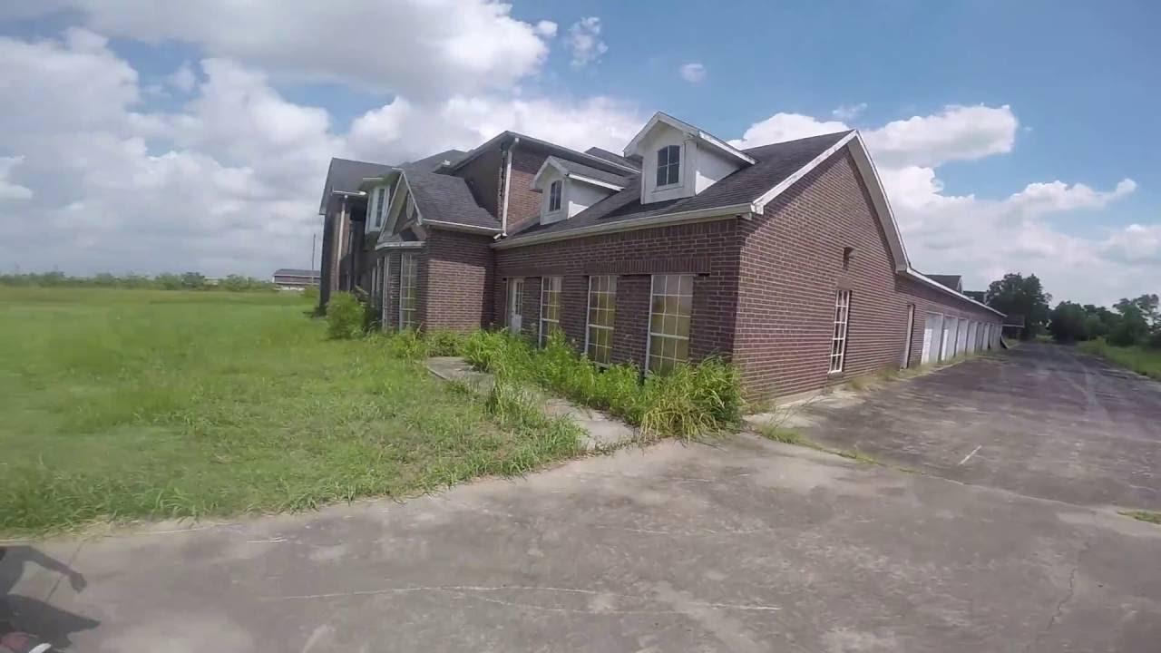 Abandon Mansion Pearland Tx