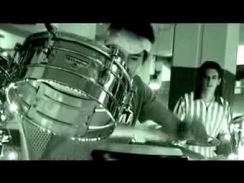 rocola-bacalao-condominio-de-carton-from-ecuador-salsa-rocola-bacalao