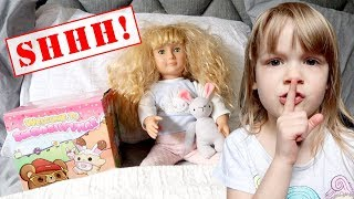 spy-on-the-doll-maker-with-my-pb-and-j-she-tried-to-take-our-smooshy-mushy-toys