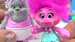dreamworks-trolls-movie-song-and-dance-poppy-branch-cooking-cupcakes-with-bergen-bridget