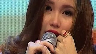 Repeat youtube video Ayu Ting Ting Menangis di Dahsyat - Intens 07 Februari 2014