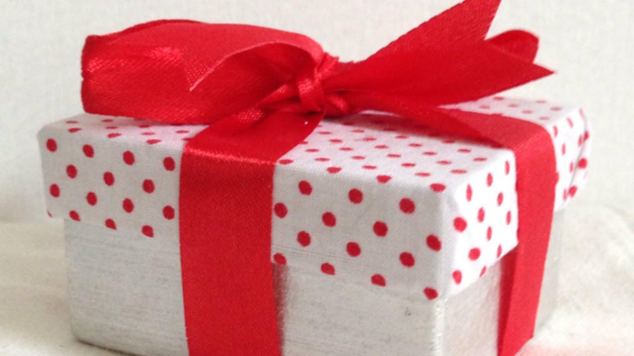 Crea delle fantastiche scatole ricoperte di tessuto fai for Fai da te creazioni
