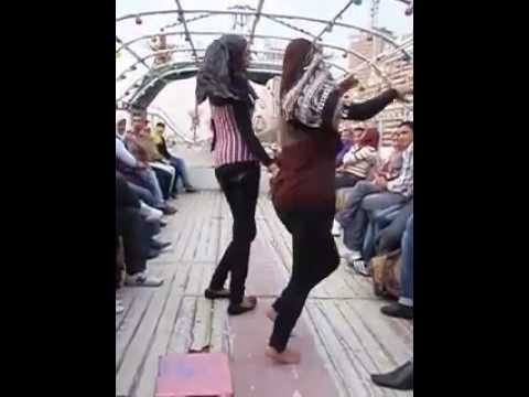Egyptian girls dancing