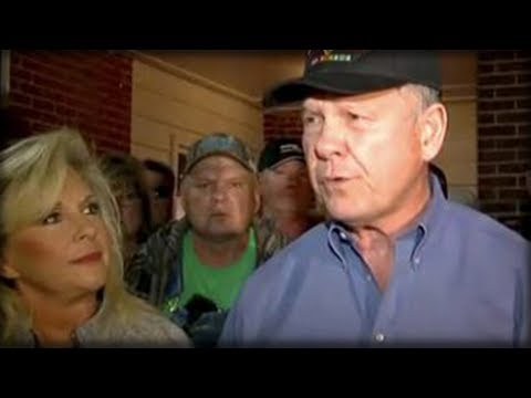ROY MOORE'S WIFE IS UNDER ATTACK WHAT SHE WAS FORCED TO DO TO HER FAMILY IS HEARTBREAKING