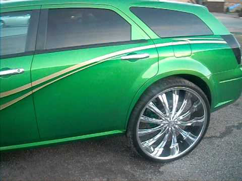 Green Dodge Magnum on 28 inch Bentchi b15s