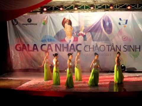 Tiết mục múa Ấn Độ - Đại học Đà Lạt 23-09