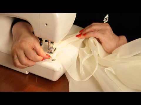 видео: Роскошные французские шторы: шьем своими руками (шторы для спальни и гостиной).