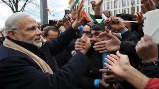 pm modi receives warm welcome by indian community in berlin