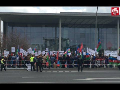 Azərbaycanlılar Sarkisyanı Berlində aksiya ilə qarşıladı