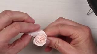 Růže ze saténové stužky