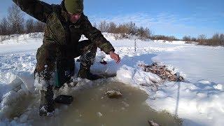 Окуни и щуки с одной лунки, только тягай!!! Рыбалка на крайнем севере.