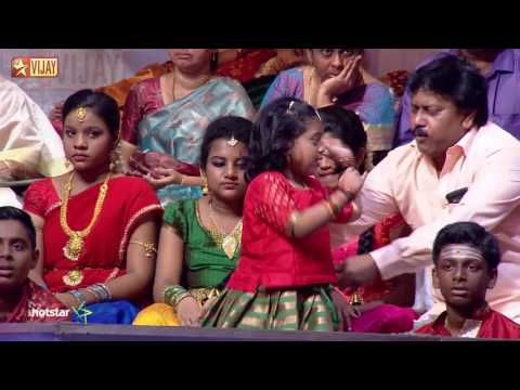A special performance by Srini and Pravin Saivi