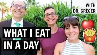 WHAT I EAT IN A DAY WITH DR. GREGER [NUTRITIONFACTS.ORG]