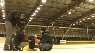 Тест зимней шины на хоккейном стадионе
