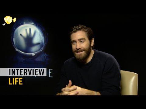 Life - Interview Jake Gyllenhaal + Rebecca Ferguson - Pathé