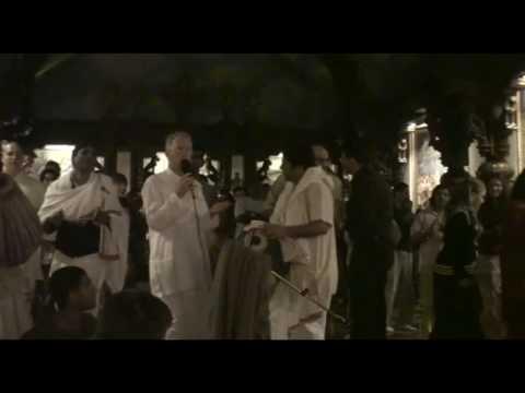 NY Eve Bhajan - Mukunda Datta das - Hari Haraye Nama Krishna - 12/21