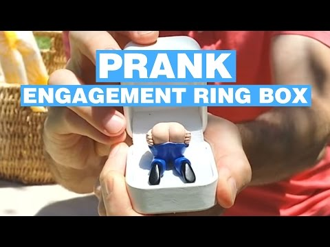 prank-engagement-ring-box---farts-when-you-open-it