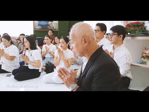 """""""The Make Merit Ceremony"""" At Bangkok Beauty Academy"""