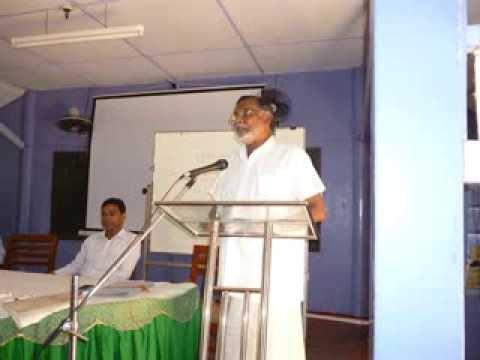 K.T. Rajasingham - Chief Editor Asian Tribune addressing the trainee radio announcer of SLBC