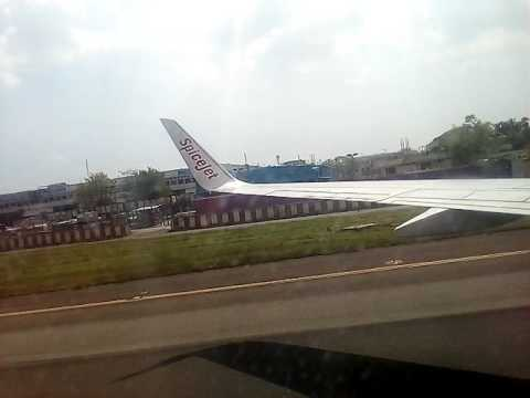 SpiceJet Airlines (SG/SEJ 608) landing at Anna International Airport (Chennai)