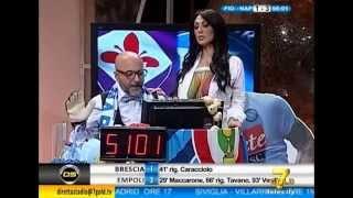 Marika fruscio Nuda si spoglia e fa vedere le tette in diretta (Fiorentina - Napoli 1-3 Coppa Italia thumbnail