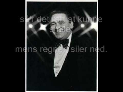 Gustav Winckler gem et lille smil til det bli'r gråvejr