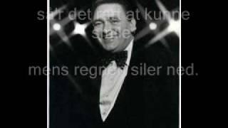 Gustav Winckler gem et lille smil til det bli
