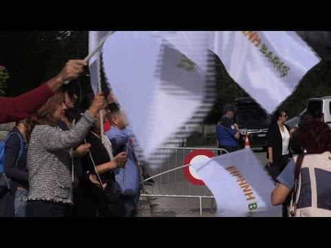 Chypre: des manifestants demandent un accord