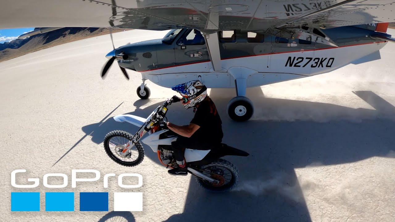 GoPro HERO9: Plane vs. Moto | HyperSmooth 3.0