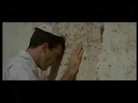 Le tombeau (2001) bande annonce