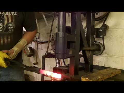 benchtop power hammer: forging