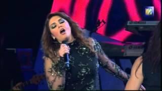 """Yuridia """"Lo que son las cosas"""" y """"Ya te olvidé"""" Lunas del Auditorio Nacional 2012"""