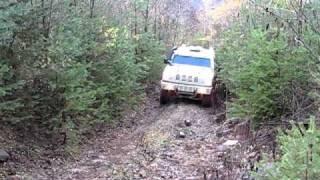 Iveco LMV 4x4 fast climbing up a rocky Italian mountain track!