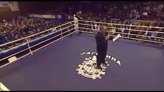 BEZ MILOSTI: Veljko Raznatovic nokautirao Bugarina u debi boks mecu!