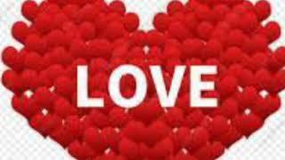 قلوب حب مكتوب عليها
