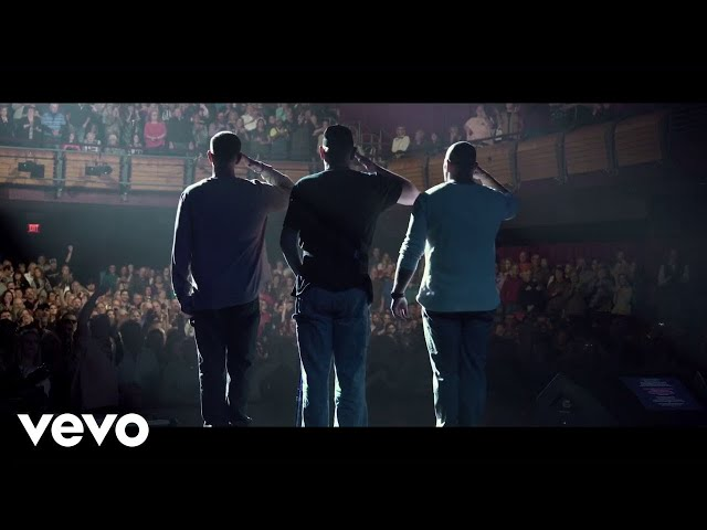 Trace Adkins - Still A Soldier [Official Video]