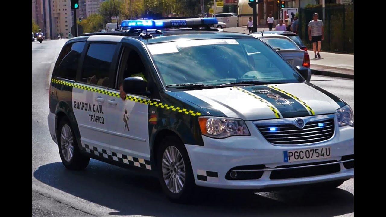Guardia civil de tr fico nuevo lancia voyager youtube - Guardia civil trafico zaragoza ...