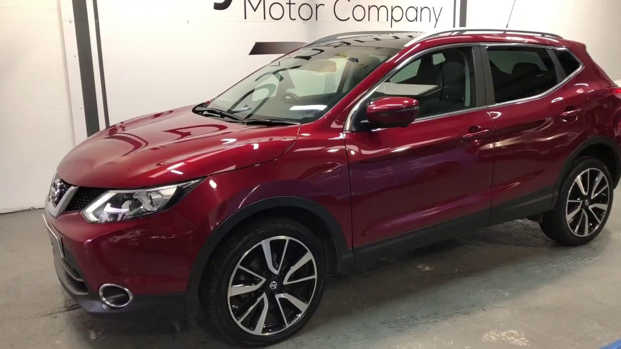 2015 nissan qashqai 4x4 in magnetic red metallic dynamic motor co youtube. Black Bedroom Furniture Sets. Home Design Ideas