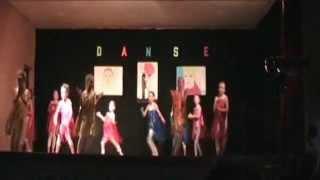 Spectacle de Danse 2014 - Groupe Moyens - Familles Rurales St Pierre des Nids