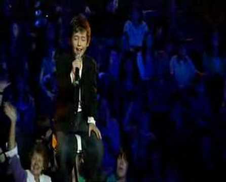 Troye Sivan - Telethon Performance '06 Thumbnail image