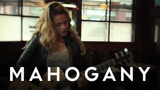 Alice Gold - Runaway Love // Mahogany Session