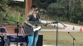 Morgan Wade - Kelly's Drive (Live @ Wine By The River)