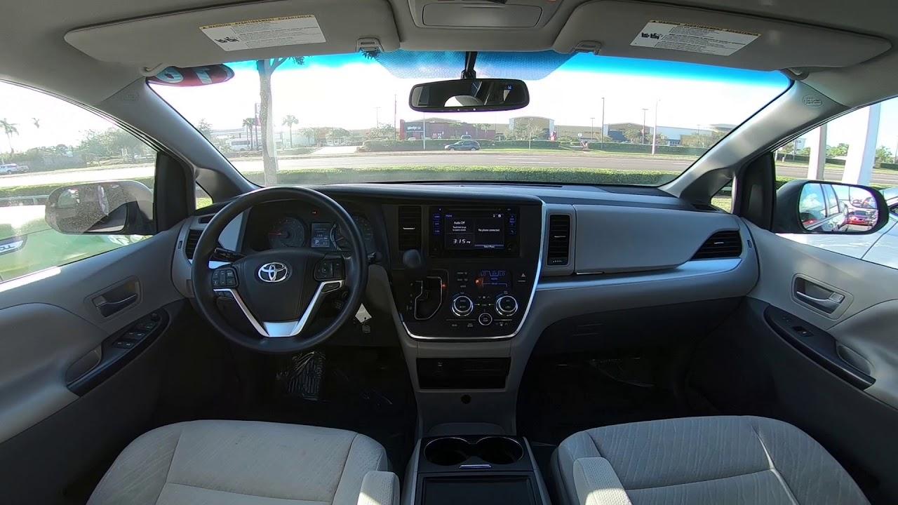 2016 Toyota Sienna Le Interior