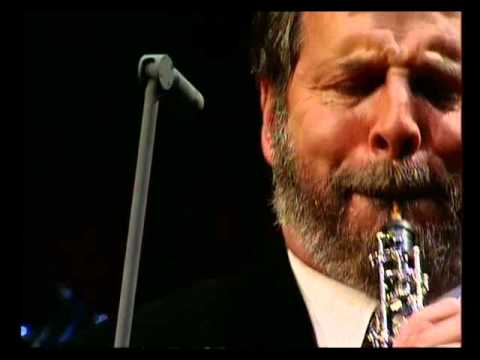 "Henrik Chaim Goldschmidt plays ""Gabriel's Oboe"""