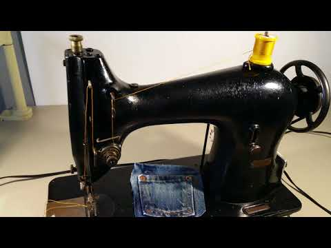 Singer 95 - 10 industrial sewing machine blue jeans